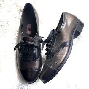 MUNRO American Metallic Leather Cap Toe Oxfords